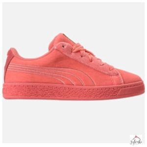 Other - 🆕  PUMA BASKET CLASSIC VELOUR CASUAL SHOES